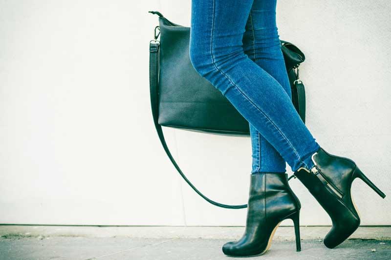 Chůze na podpatcích – v čem škodí a je v něčem prospěšná  a02583382b